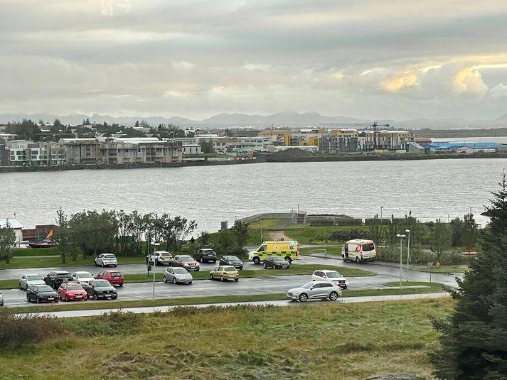 Frá vettvangi í Nauthólsvík fyrr í kvöld.
