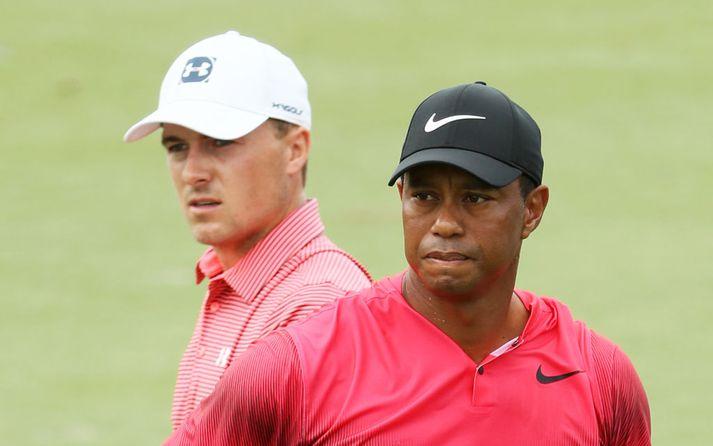 Spieth með Tiger Woods.