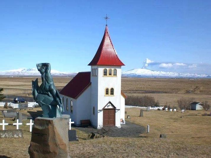 Ný kirkja og Sæmundarstofa verður byggð á Rangárvöllum. Oddafélagið fer fyrir verkefninu en Ágúst Sigurðsson, sveitarstjóri Rangárþings ytra er formaðru Oddafélagsins.