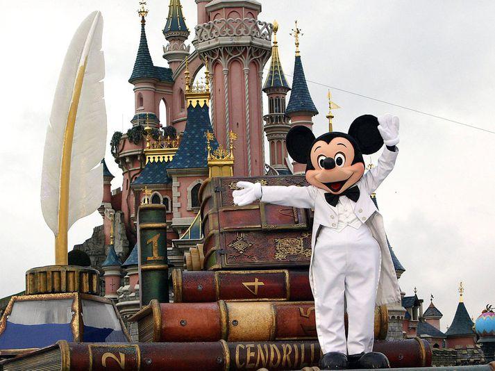 Mikki mús er eitt frægasta sköpunarverk Walts Disney.