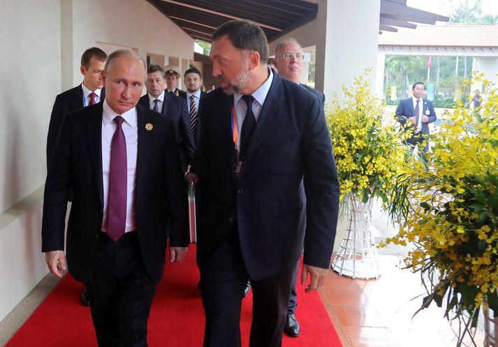 Oleg Deripaska er hér með Vladimir Putin, forseta Rússlands.