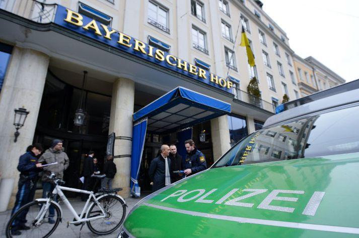 Öryggismálaráðstefnan í München er haldin á hótelinu Bayerischer Hof.
