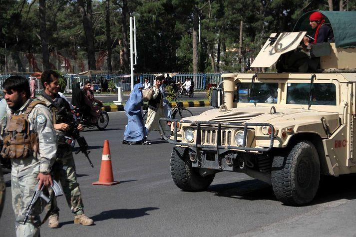 Stjórnarher Afganistans gekk ekkert að halda aftur af leiftursókn Talibana.