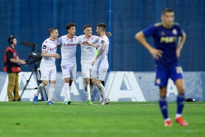 Valsmenn fagna seinna marki sínu gegn Dinamo Zagreb sem gaf þeim von fyrir seinni leikinn við þetta króatíska stórveldi.