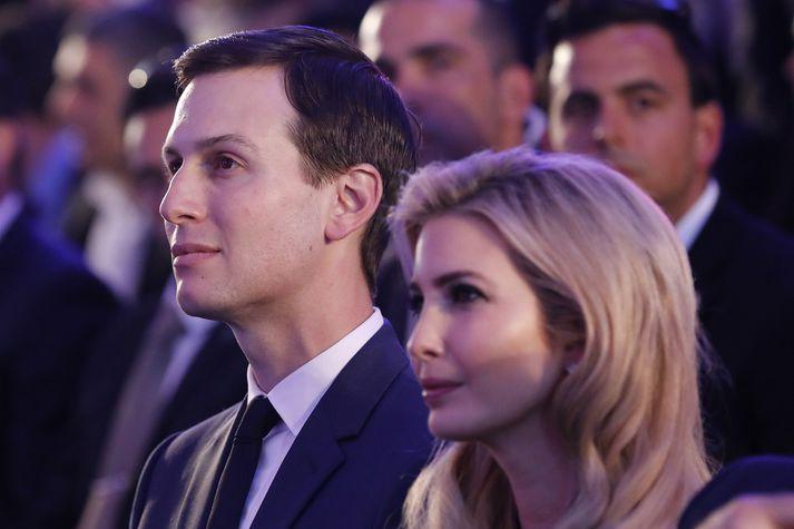 Kushner og Ivanka Trump lepja ekki dauðann úr skel þrátt fyrir að þau vinni launalaust fyrir föður Ivönku í Hvíta húsinu.