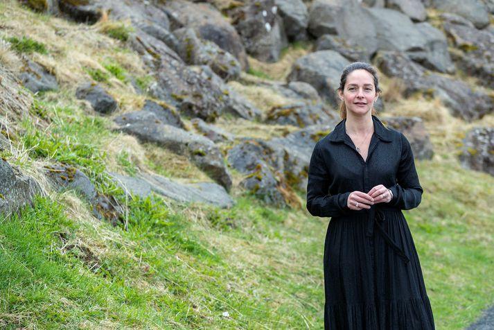 Catherine Elisabet Batt kennir stjórnunarreikningsskil á bæði Bs og Ms stigi í Háskólanum í Reykjavík samhliða doktorsnámi sínu.