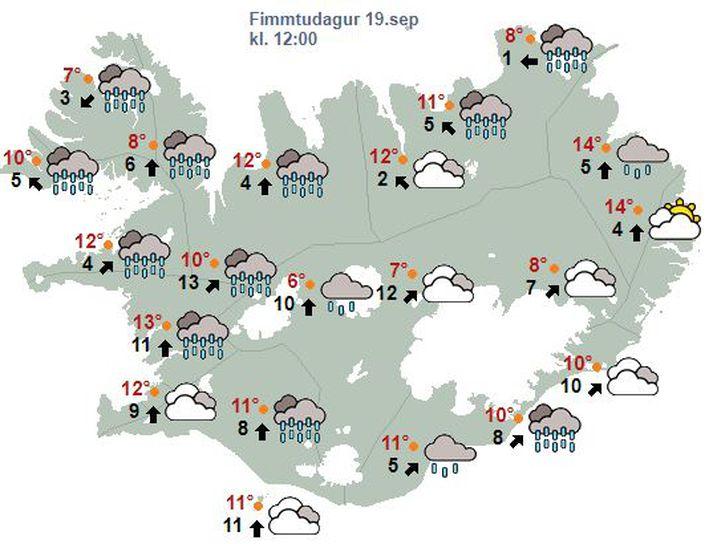 Hitinn verður á bilinu átta til þrettán stig, en suðvestlægari og úrkomuminna norðan- og austanlands síðdegis og hiti að 18 stigum.