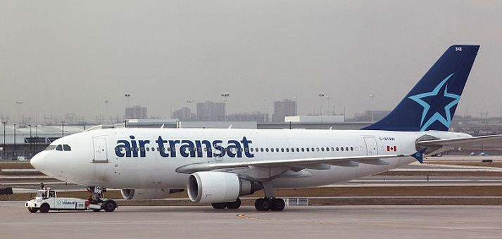 Konan ferðaðist með Air Transat,