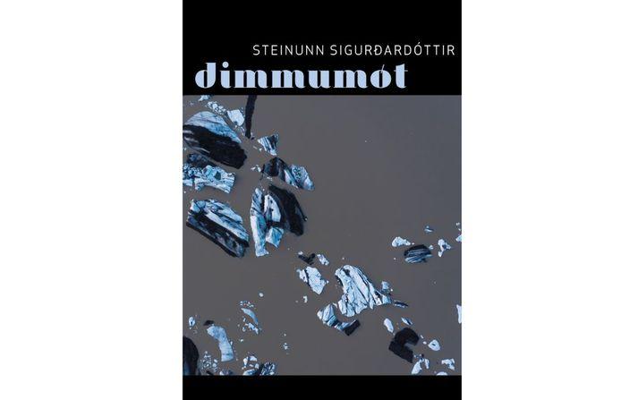 Steinunn Sigurðardóttir (f. 1950) á fimmtíu ára skáldaafmæli um þessar mundir og Dimmumót er hennar tíunda ljóðabók.