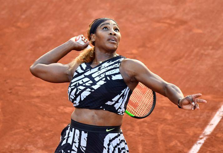 Serena Williams er í 63. sæti á lista Forbes yfir tekjuhæsta íþróttafólk heims.