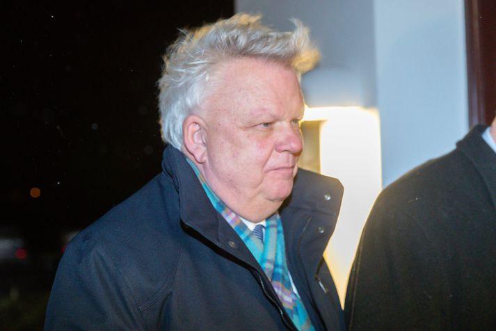 Ólafur Ísleifsson kemur til Bessastaða í gærkvöldi þar sem forseti Íslands bauð þingmönnum til veislu í tilefni afmælis fullveldisins.