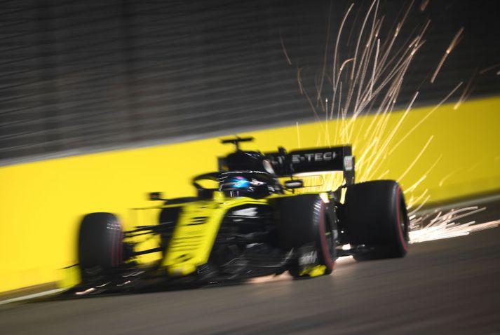 Daniel Ricciardo keyrir á Reanult