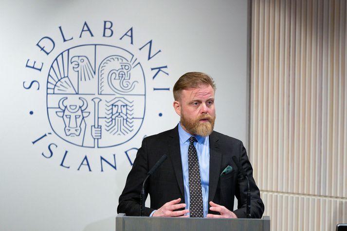 Ásgeir Jónsson seðlabankastjóri greindi frá ákvörðun peningastefnunefndar um lækkun vaxta í morgun.