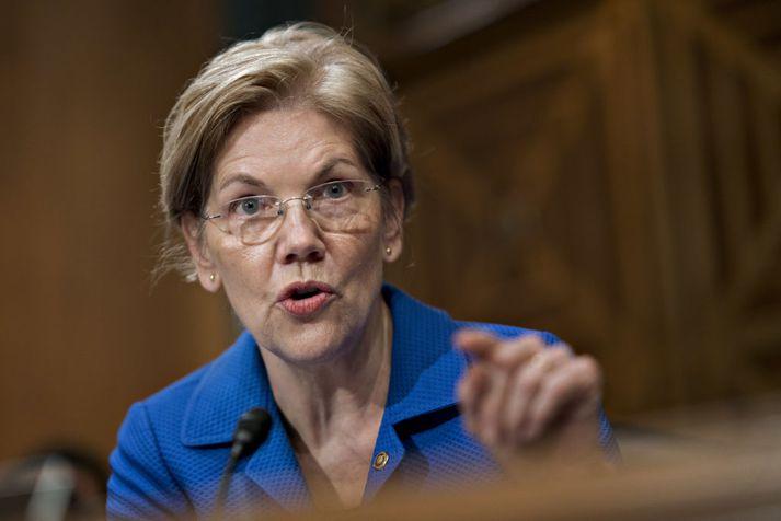 Elizabeth Warren situr í öldungadeild Bandaríkjaþings fyrir Demókrataflokkinn.