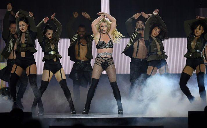 Britney hefur ekki komið fram á sviði síðan 2018 og ætlar ekki að gera það fyrr en faðir hennar missir forræði yfir henni.