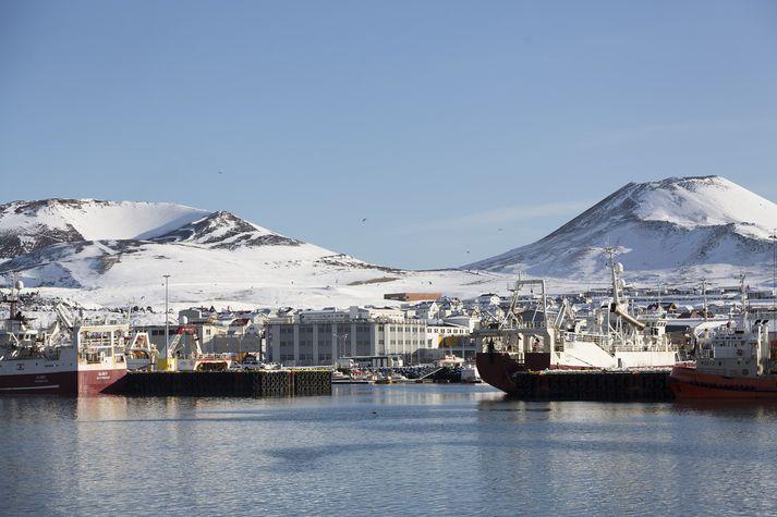 Dæmi eru um að það taki margar klukkustundir að bregðast við útköllum sem koma upp í Vestmannaeyjum.