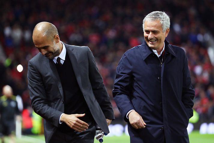 Knattspyrnustjórar Manchester-liðanna, Jose Mourinho og Pep Guardiola.