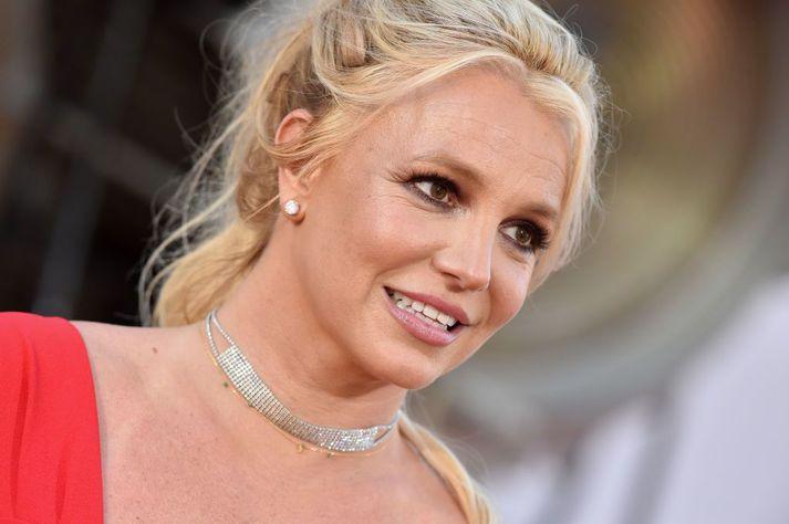Britney Spears hefur ekki haft forræði yfir sjálfri sér í þrettán ár.
