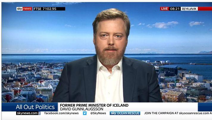 Forsætisráðherrann fyrrverandi var kallaður Davíð Gunnlaugsson í viðtalinu á Sky.