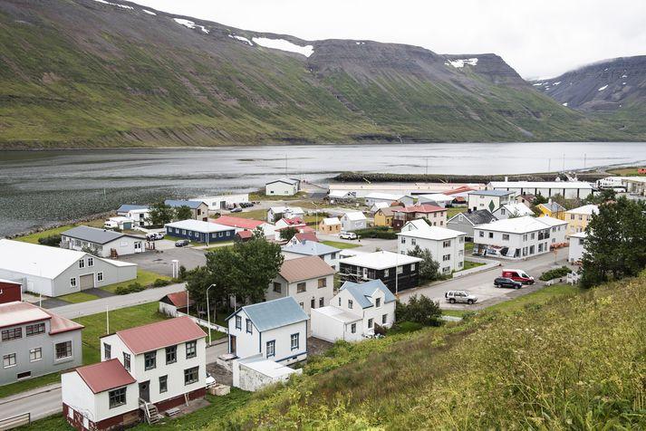 Magnið úr borholunni er um það bil fjórfalt meira en þorpið þarfnast.