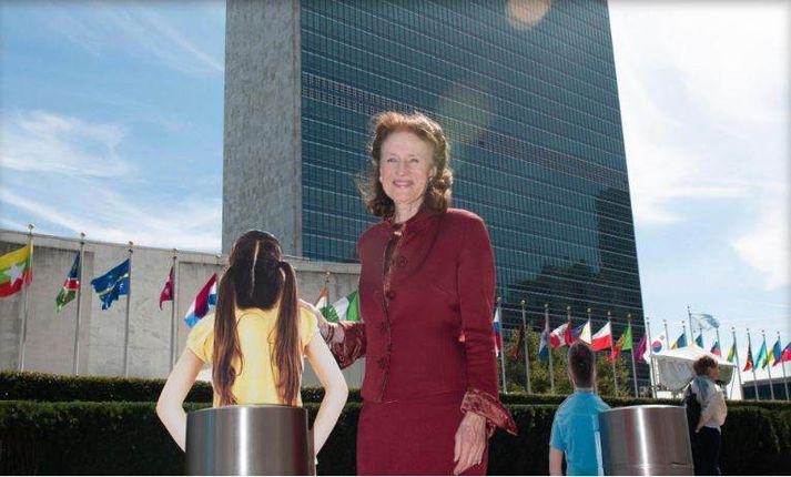 Henriette Fore framkvæmdastjóri UNICEF fyrir utan höfuðstöðvar Sameinuðu þjóðanna.