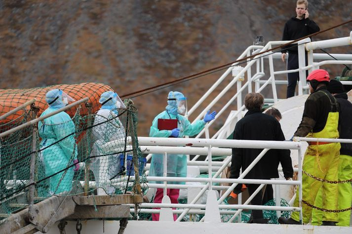 22 af 25 skipverjum á Júlíusi Geirmundssyni reyndust smitaðir af Covid-19.
