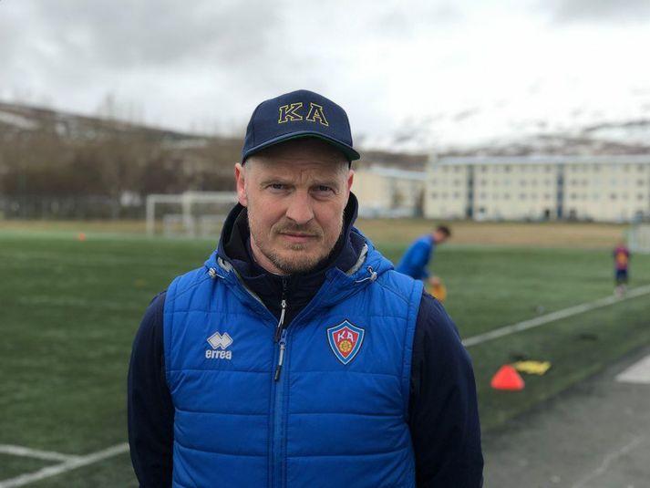 Óli Stefán Flóventsson á æfingasvæði KA.