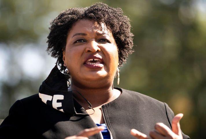 Stacey Abrams talar til kjósenda í Atlanta í Georgíu á kjördag í síðustu viku.
