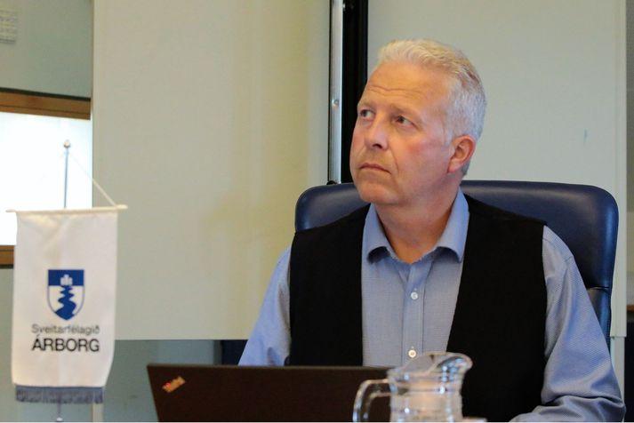 Gísli Halldór Halldórsson, nýr bæjarstjóri í Árborg fær splunkunýjan bíl til afnota frá sveitarfélaginu.