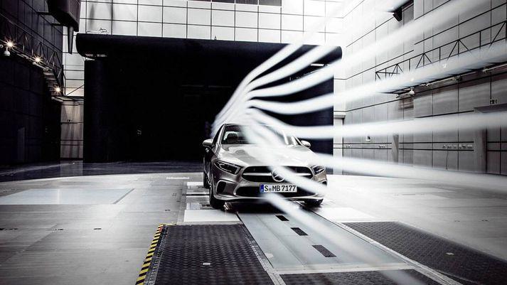 Mercedes Benz eyddi miklum tíma í vindgöngum til að ná niður vindstuðlinum.