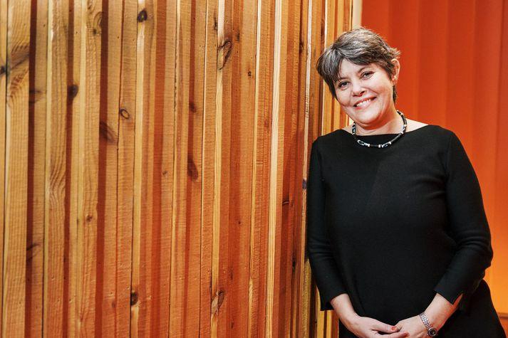 Védís Skarphéðinsdóttir segir Kim Leine skrifa stórkostlegar sögur.