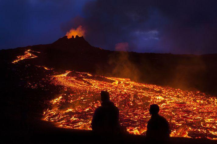 Eldgosið við Fagradalsfjall nú hefur staðið yfir í tæpar fjórar vikur, eða frá 19. mars.