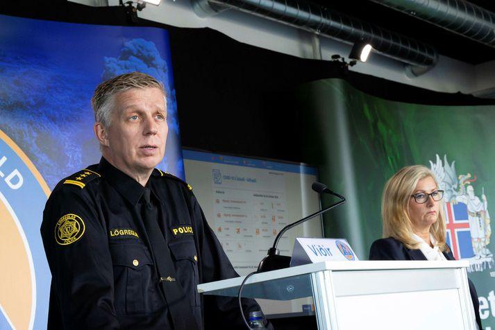 Víðir Reynisson, yfirlögregluþjónn, og Alma Möller, landlæknir, á upplýsingafundi vegna kórónuveirufaraldursins.