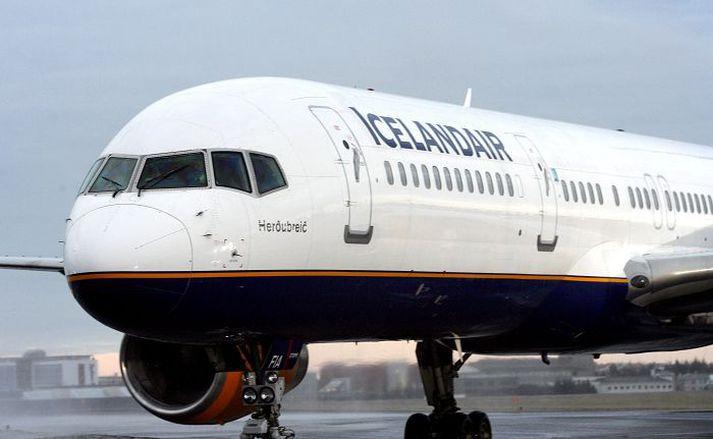 Maðurinn hafði flogið með Icelandair frá Berlín til Íslands og þaðan áfram til Toronto.