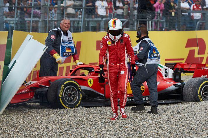 Vettel henti frá sér fyrsta sætinu í heimakeppni sinni í fyrra.