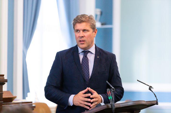 Bjarni Benediktsson er fjármálaráðherra í ríkisstjórn Sjálfstæðisflokks, VG og Framsóknarflokks.