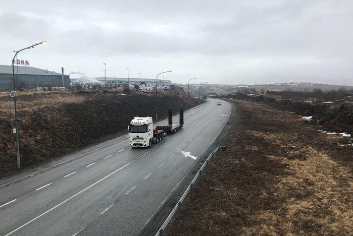 Stærsta verkið er breikkun Suðurlandsvegar í Reykjavík á kaflanum milli Vesturlandsvegar og Rauðavatns. Verkinu á að ljúka fyrir 1. nóvember.