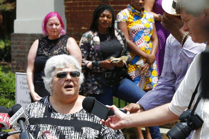 Susan Bro, móðir Heather Heyer sem var ekin niður í Charlottesville árið 2017.