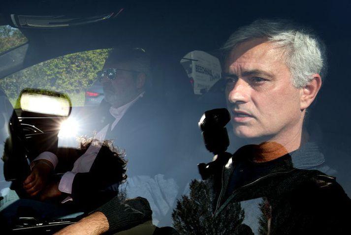 Jose Mourinho sést hér eftir að hann var rekinn frá Tottenham. Hann ætlaði að taka sér frí en réði sig svo til Roma.