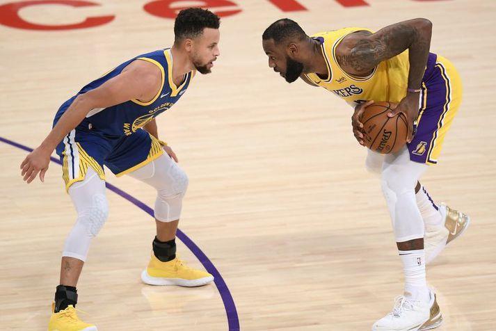 Lið þeirra LeBron James hjá Los Angeles Lakers og Stephen Curry hjá Golden State Warriors mætast í umpili NBA deildarinnar.