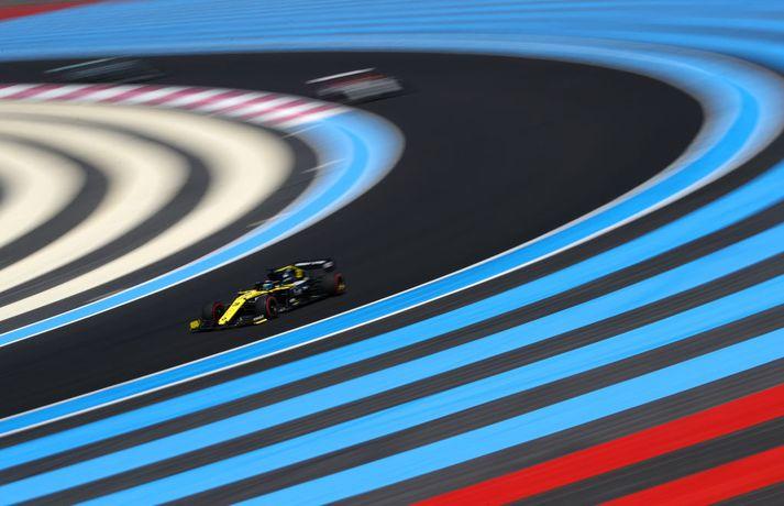 Daniel Ricciardo fékk tvær refsingar á einum 50 metra kafla um helgina.