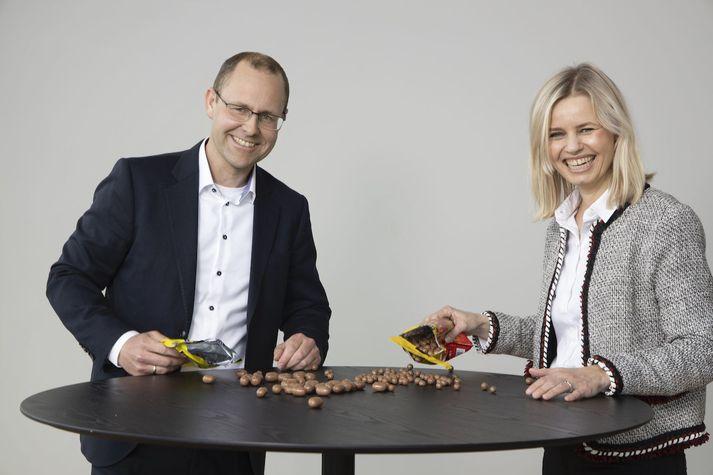 Lasse Ruud-Hansen, tilvonandi forstjóri Nóa Síríus og Ingvill T. Berg, forstjóri Orkla Confectionery & Snacks.
