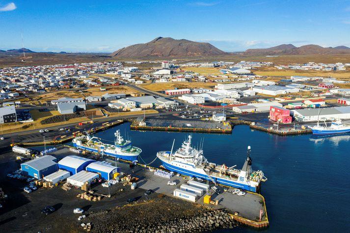 Stórir jarðskjálftar riðu yfir Reykjanesið í gær í skjálftahrinu sem hófst fyrir nokkrum dögum í Krýsuvík.
