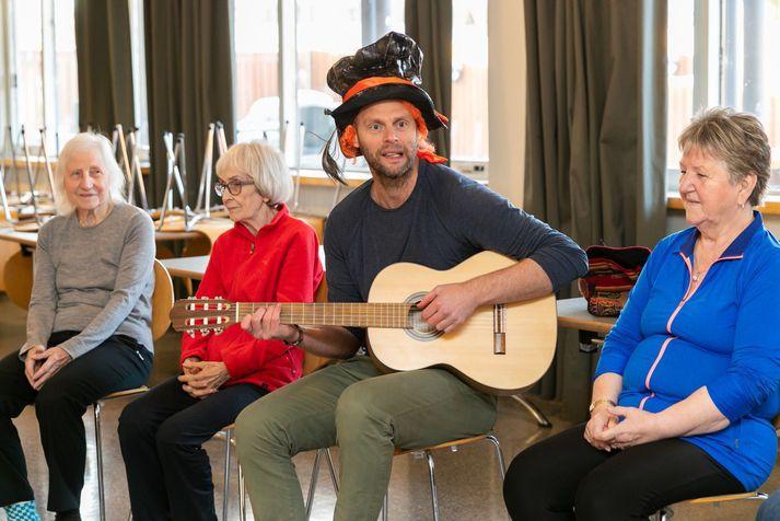 Ólafur Stefánsson kemur margoft fram á allskonar viðburðum.