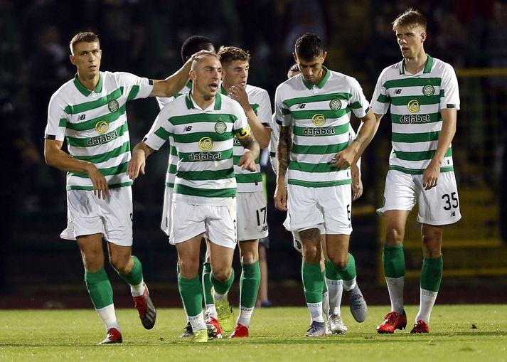 Celtic voru á toppi skosku úrvalsdeildarinnar þegar henni var frestað þann 13. mars.