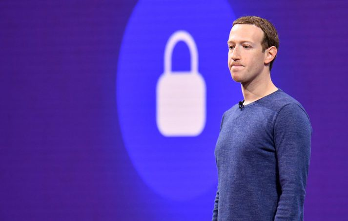 Mark Zuckerberg á sviði á árlegri F8 ráðstefnu Facebook.