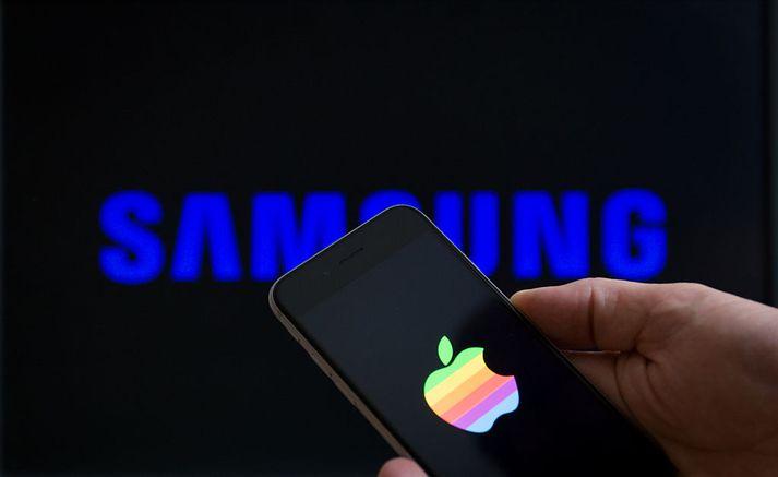Samsung þarf að greiða 5 milljónir evra og Apple 10 milljónir evra í sekt á Ítalíu.