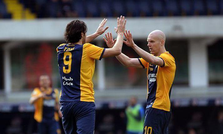 Emil og Luca Toni fagna marki gegn Cesena í ítalska boltanum í aprílmánuði 2015 en þeir náðu einkar vel saman.