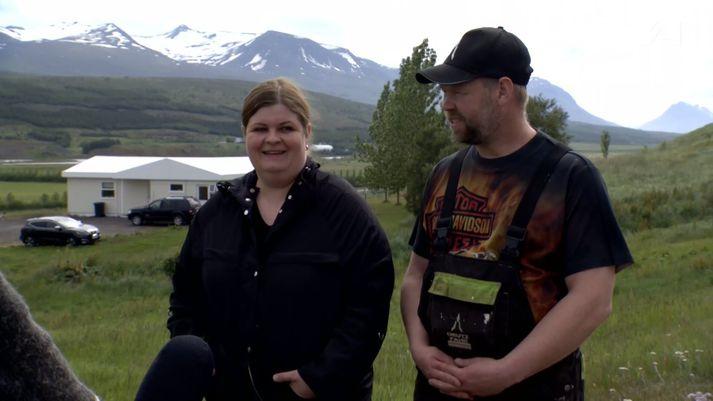 Elsa Ösp Þorvaldsdóttir og Róbert Fanndal Jósavinsson búa í Litla-Dunhaga í Hörgárdal.