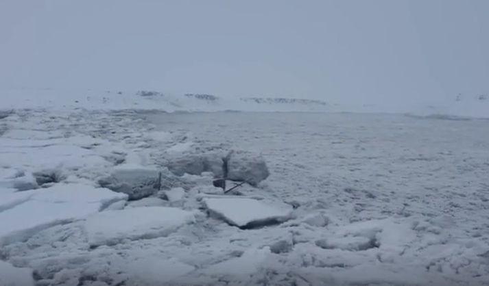 Frá vettvangi við Jökulsá á Fjöllum í lok janúar.